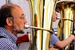 Emil und Kai-Philipp an der Tuba